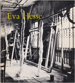 EVA HESSE A MEMORIAL EXHIBITION. NEW YORK. SOLOMON R. GUGGENHEIM MUSEUM.