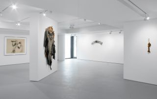 DAVID HAMMONS: Give Me a Moment
